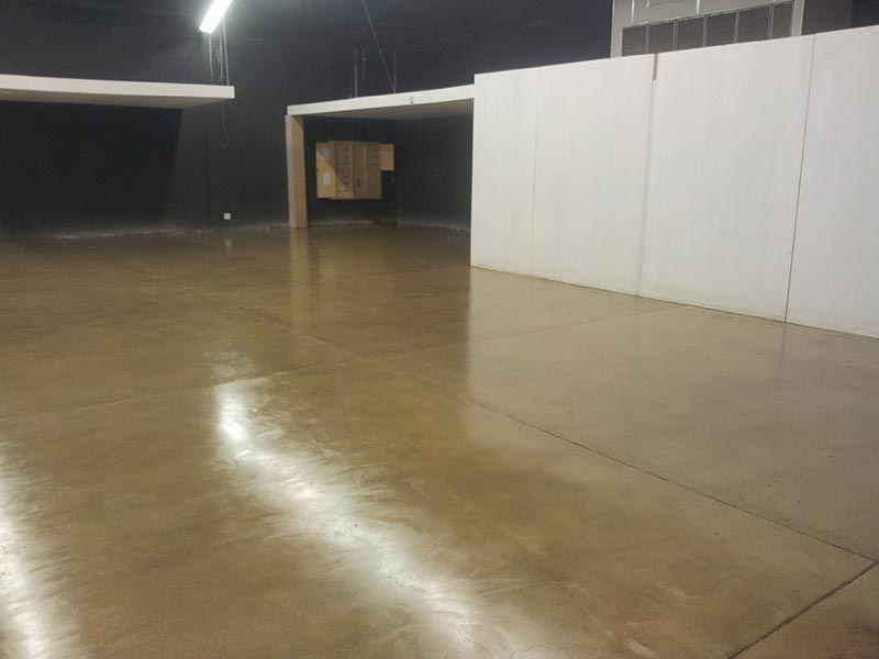 commercial-floor-polished-concrete-and-exposed-aggregate-2